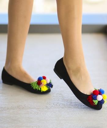 balerini cu ciucuri multicolori