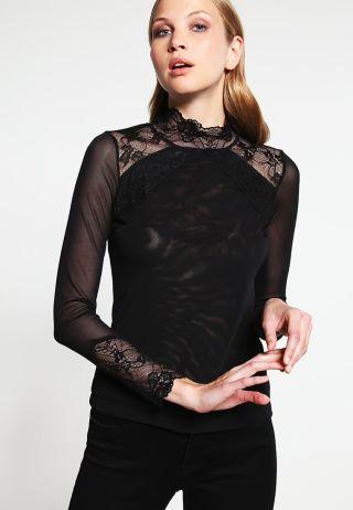 Cumpara Bluza neagra cu dantela