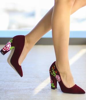 Cumpara Pantofi catifea dama cu toc gros si broderie