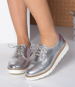 Cumpara Pantofi fara toc argintii cu siret