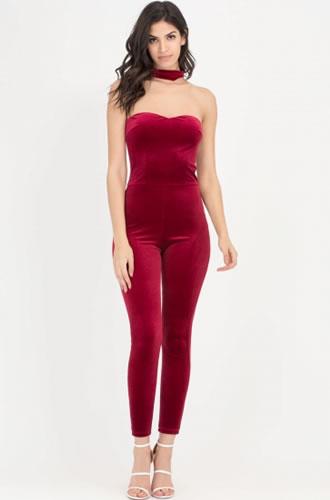 Cumpara Salopeta catifea dama rosie eleganta