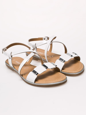 Cumpara Sandale albe piele fara toc
