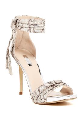 sandale dama guess de ocazie